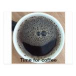 Hora para la cara del smiley del café postal