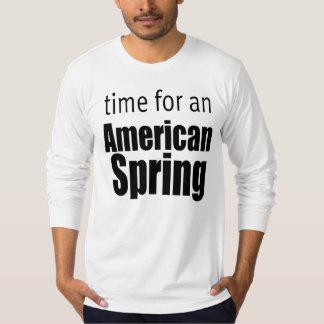 hora para una camisa americana de la primavera