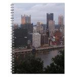 Horizonte aéreo de Pittsburgh en la puesta del sol Libro De Apuntes
