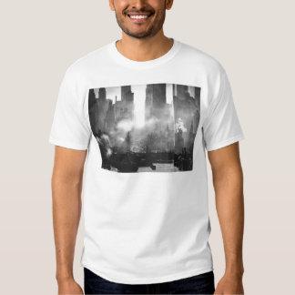 Horizonte blanco y negro arenoso de Smokey NYC del Playera