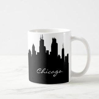 Horizonte blanco y negro de Chicago Tazas