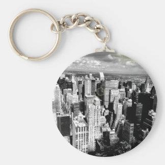 Horizonte blanco y negro de New York City Llavero Redondo Tipo Pin