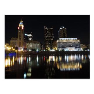 Horizonte céntrico de Columbus en la noche Tarjeta Postal