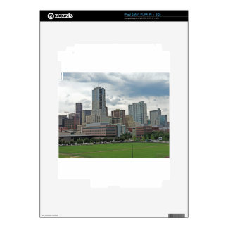 Horizonte céntrico de la ciudad de Denver Colorado iPad 2 Calcomanía