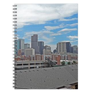 Horizonte céntrico de la ciudad de Denver Colorado Note Book