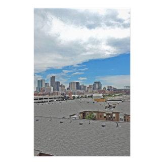 Horizonte céntrico de la ciudad de Denver Colorado Papeleria De Diseño