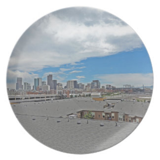 Horizonte céntrico de la ciudad de Denver Colorado Plato Para Fiesta