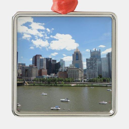 Horizonte céntrico de Pittsburgh Adorno Navideño Cuadrado De Metal