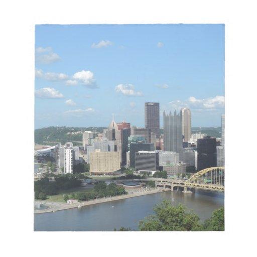 Horizonte céntrico de Pittsburgh de la antena Blocs De Papel