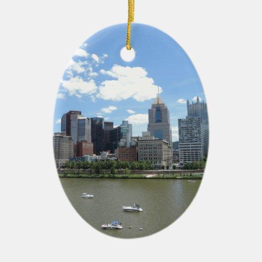 Horizonte céntrico de Pittsburgh Adorno Ovalado De Cerámica