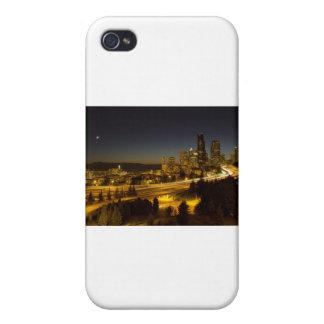 Horizonte céntrico de Seattle Washington en la pue iPhone 4 Carcasa