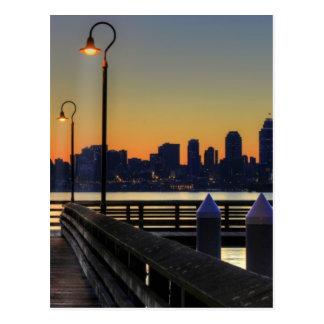 Horizonte céntrico de Seattle Washington Tarjetas Postales