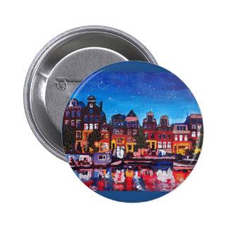 Horizonte de Amsterdam con el canal en la noche Pin Redondo De 2 Pulgadas