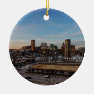 Horizonte de Baltimore en la puesta del sol Adorno