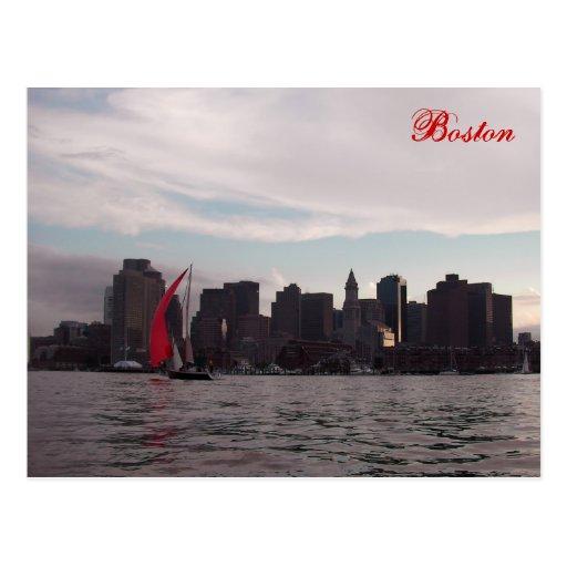 Horizonte de Boston con el barco Postales
