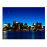 Horizonte de Boston con la luna Postales