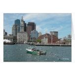 Horizonte de Boston del barco de pesca, tarjeta