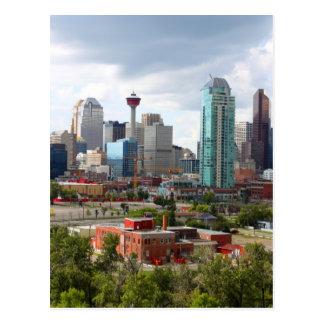 Horizonte de Calgary con los edificios y la torre Postal