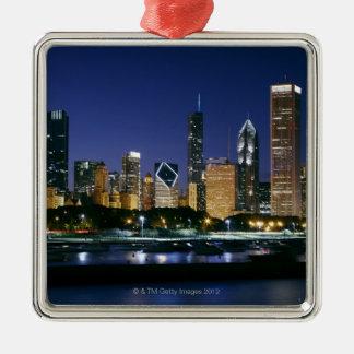 Horizonte de Chicago céntrica en la noche Adorno
