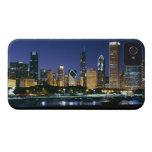 Horizonte de Chicago céntrica en la noche Case-Mate iPhone 4 Fundas