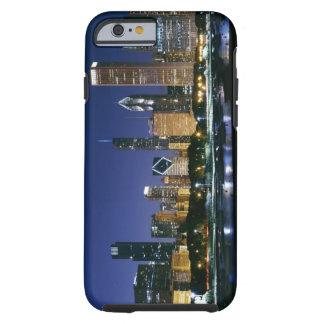 Horizonte de Chicago céntrica en la noche Funda Para iPhone 6 Tough