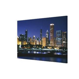 Horizonte de Chicago céntrica en la noche Impresión En Lona
