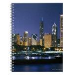 Horizonte de Chicago céntrica en la noche Notebook