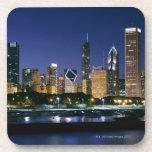 Horizonte de Chicago céntrica en la noche Posavasos