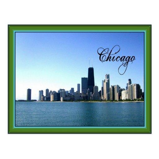 Horizonte de Chicago con la frontera verde clásica Postal