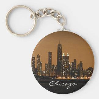 Horizonte de Chicago en la noche en el centro de J Llaveros Personalizados