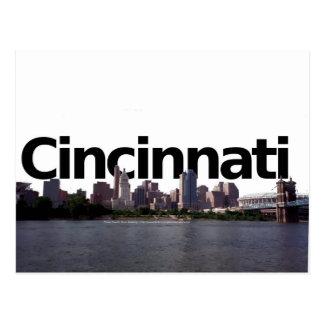 Horizonte de Cincinnati con Cincinnati en el abov Postales