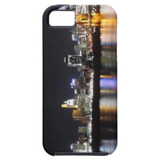 Horizonte de Cincinnati en la noche iPhone 5 Case-Mate Protectores