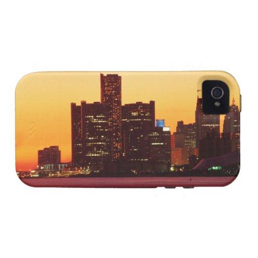 Horizonte de Detroit en puesta del sol colorida Vibe iPhone 4 Fundas
