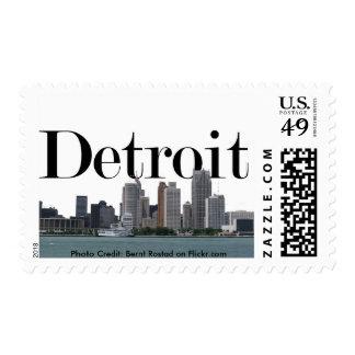 Horizonte de Detroit Michigan con Detroit en el Sellos