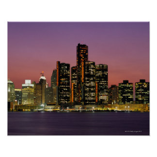 Horizonte de Detroit, Michigan en la noche Póster