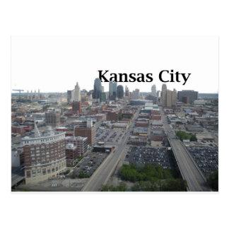 Horizonte de Kansas City con Kansas City en el Postales
