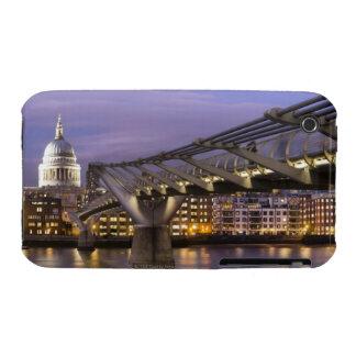 Horizonte de la catedral y de la ciudad del St Case-Mate iPhone 3 Fundas