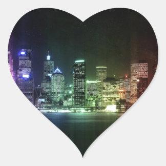 Horizonte de la ciudad pegatina en forma de corazón