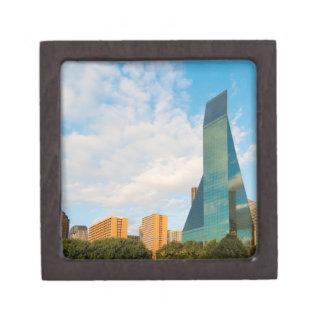 horizonte de la ciudad, una torre de la oficina de caja de joyas de calidad