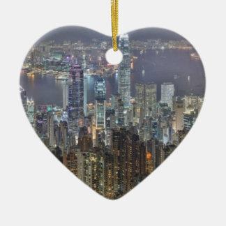 Horizonte de la noche de Hong Kong del pico de Ornato