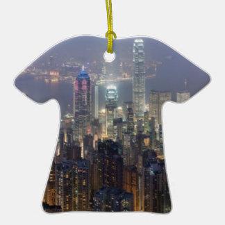 Horizonte de la noche de Hong Kong del pico de Ornatos
