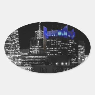 Horizonte de la noche de New York City Calcomanía Óval