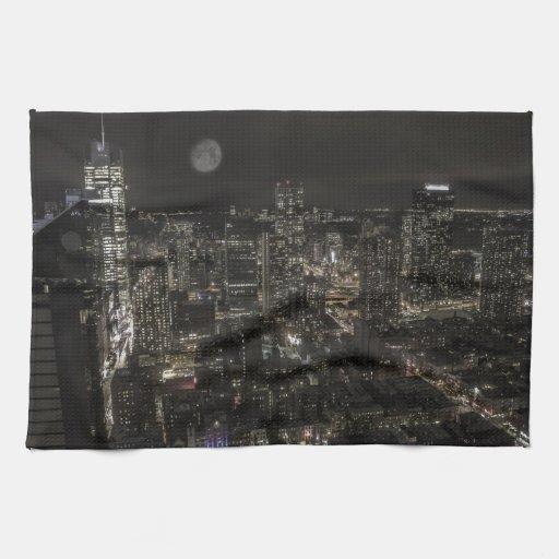 Horizonte de la noche de New York City Toallas
