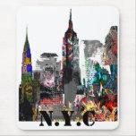 Horizonte de la pintada de New York City Tapetes De Ratones