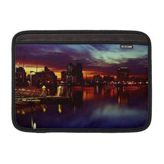 Horizonte de la puesta del sol de San Diego Fundas MacBook