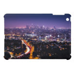 Horizonte de Los Ángeles, California en la noche iPad Mini Coberturas