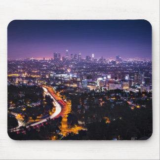 Horizonte de Los Ángeles, California en la noche Tapetes De Raton