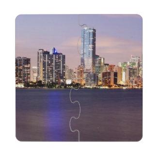 Horizonte de los E.E.U.U., la Florida, Miami en la Posavasos De Puzzle