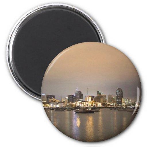 Horizonte de los veleros de San Diego de la noche Imán Redondo 5 Cm