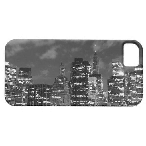 Horizonte de Manhattan en la noche, New York City iPhone 5 Case-Mate Cárcasa